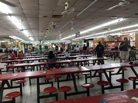 Food stalls at Yong Peng Lucky Garden