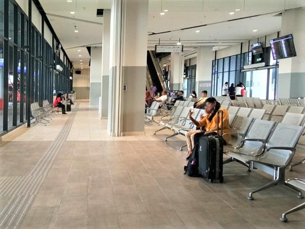 Waiting Area in Platform